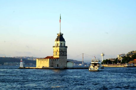 Bus-and-Boat-Istanbul-Bosphorus-view-maiden-Tower - 19