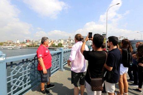 Bus-and-Boat-Istanbul-galatabridge - 12