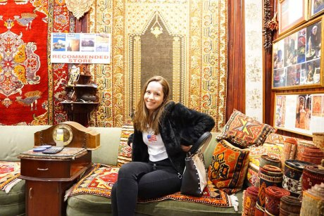 hop-on-hop-off-walking-tour-istanbul-carpet - 19