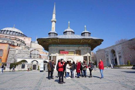 hop-on-hop-off-walking-tour-istanbul-topkapi - 7