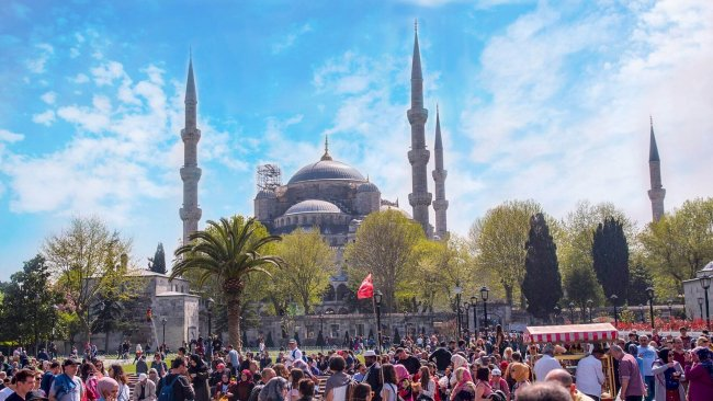 istanbul-blue-mosque-and-sultanahmet-square-tour - 11