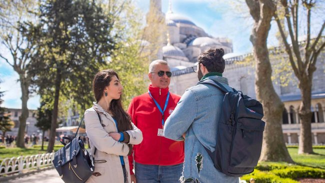 istanbul-blue-mosque-and-sultanahmet-square-tour - 8