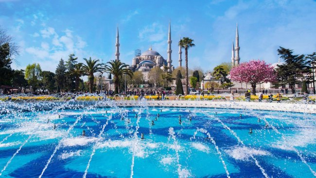istanbul-blue-mosque-and-sultanahmet-square-tour - 3