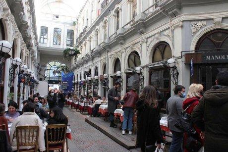 top-spots-walking-tour-istanbul-hagia-sophia - 39