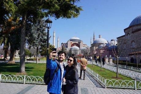 top-spots-walking-tour-istanbul-hagia-sophia - 1