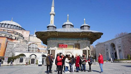 top-spots-walking-tour-istanbul-hagia-sophia - 2