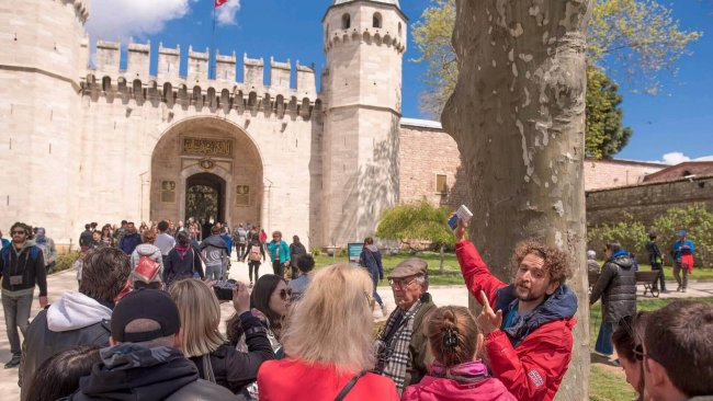 topkapi-palace-harem-tour-historian-guide - 4