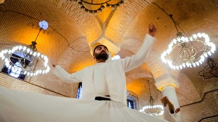 whirling-dervish-show-istanbul - 10