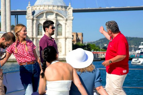 Your friendly and experienced guide will share with you stories about the Ortaköy Mosque - 22